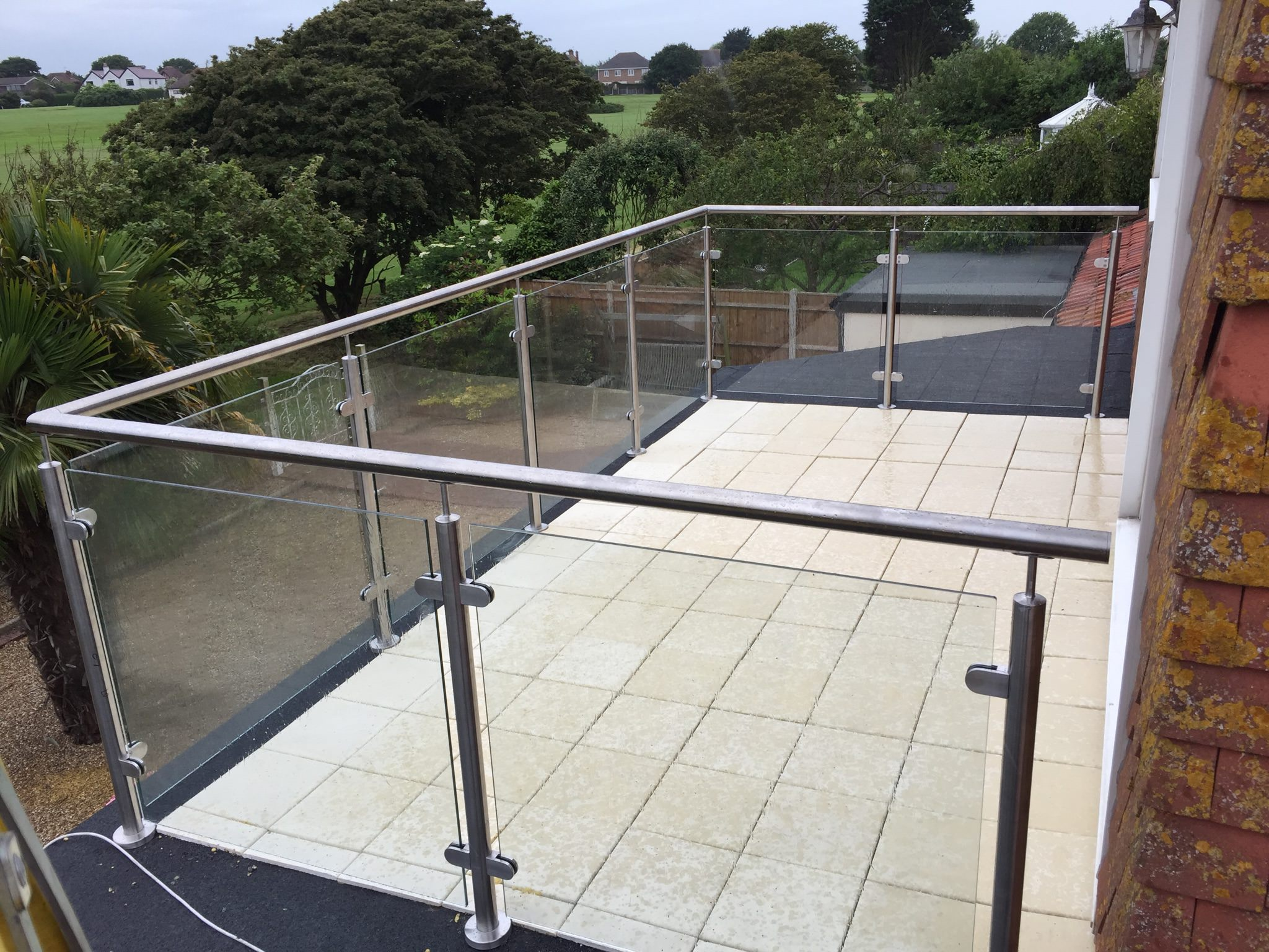 What is the Legal Minimum Handrail height?