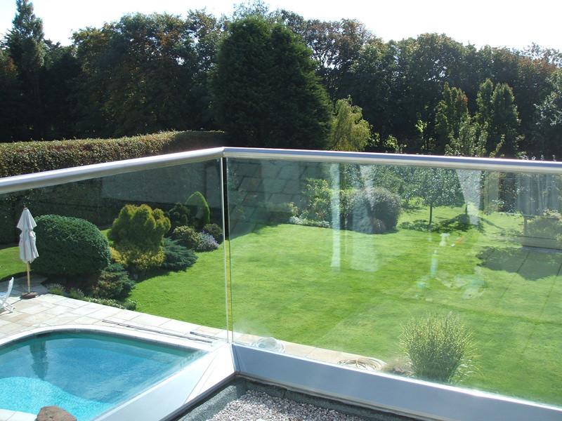 Create a Contemporary space with Glass Balustrades