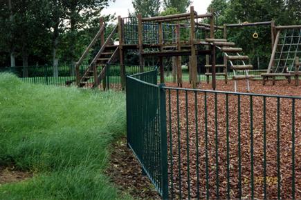 Choosing the best Park Fencing